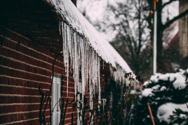 Gutter Cleaning Service: All About Ice Dams